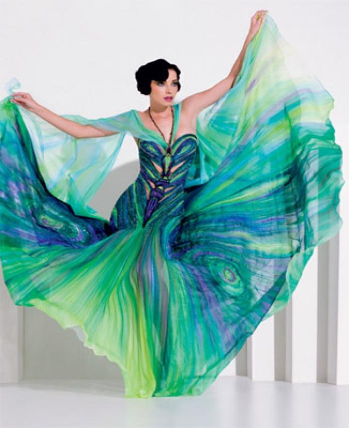 f6cc0563163e Společenské šaty od Blanky Matragi